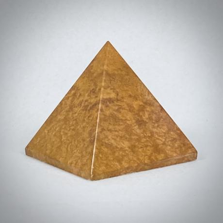 Vörös Jáspis piramis